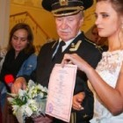 84-летний Иван Краско женился на 24-х летней студентке